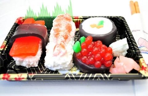 Phần sushi này nhìn rất hấp dẫn nhưng không ăn được vì nó là xà phòng.