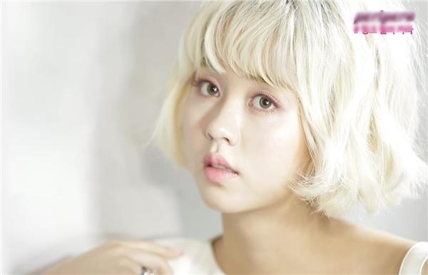 Nếu không nói, chắc các fan cũng khó nhận ra đây chính là Kim So Hyun dịu dàng, nữ tính ngày nào.