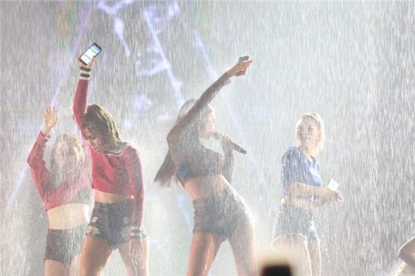 Giới trẻ Hà Thành cuồng nhiệt với đại nhạc hội The Ultimate A