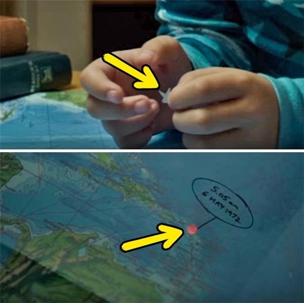 Miss Peregrine's Home for Peculiar Children (2016): Cậu bé Jack cầm một ngôi sao để dán lên bản đồ, nhưng sau khi màn hình chuyển tới tấm bản đồ, đó lại là một hình tròn chứ không phải ngôi sao.