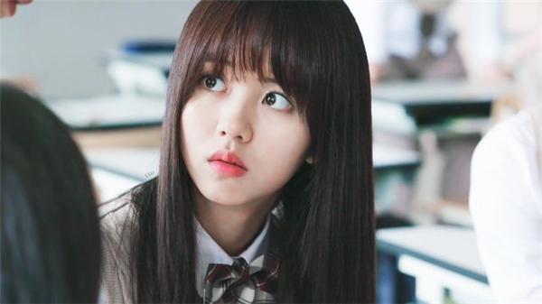 Cận cảnh nhan sắc xinh đẹp của Kim So Hyun.