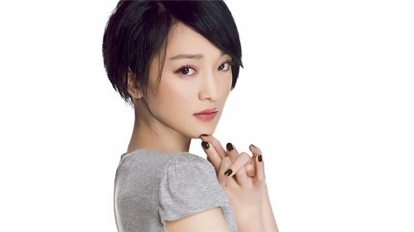 Là nữ diễn viên hàng đầu của làng giải trí xứ Trung, Châu Tấn luôn nhận mức giá cát-xê cực khủng khi đóng phim.
