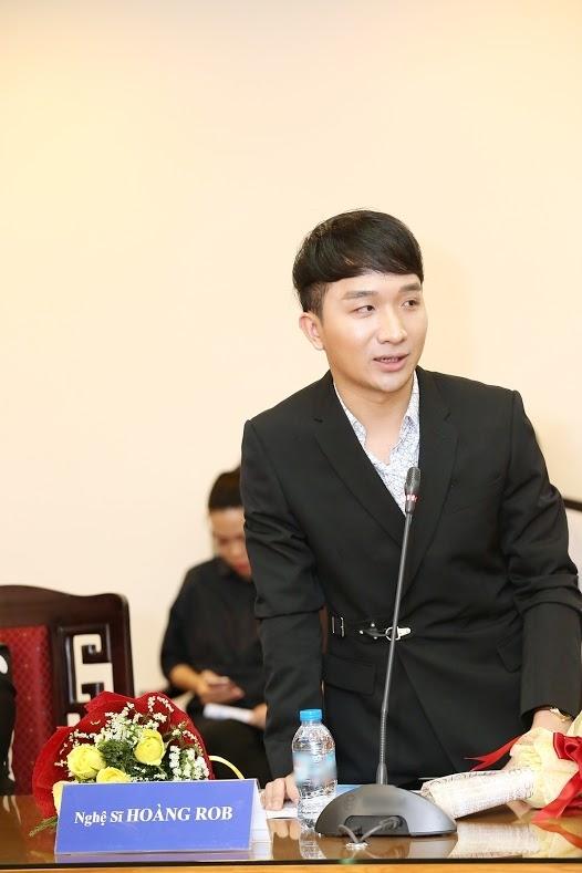 ...và nghệ sĩ trẻ Hoàng Rob cũng có mặt tại sự kiện. (Ảnh: BTC). - Tin sao Viet - Tin tuc sao Viet - Scandal sao Viet - Tin tuc cua Sao - Tin cua Sao