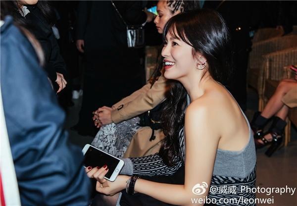 """Xinh """"hết nấc"""" nhưng Song Hye Kyo vẫn bị trang phục """"dìm hàng"""" thế này"""