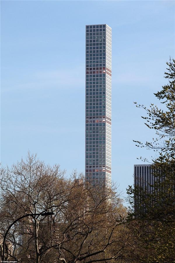 Nếu có khoảng trên dưới 90 triệu đô (hơn 2000 tỉ đồng) trong ngân hàng, bạn có thể mơ đến một căn hộ penthouse tại số 432 Park Avenue ở Thành phố New York.