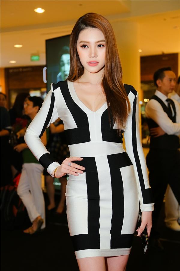 Jolie Nguyễn - Tin sao Viet - Tin tuc sao Viet - Scandal sao Viet - Tin tuc cua Sao - Tin cua Sao