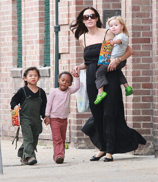 Nhìn lại hành trình của cậu ấm gốc Việt nhà Angelina Jolie – Pax Thiên