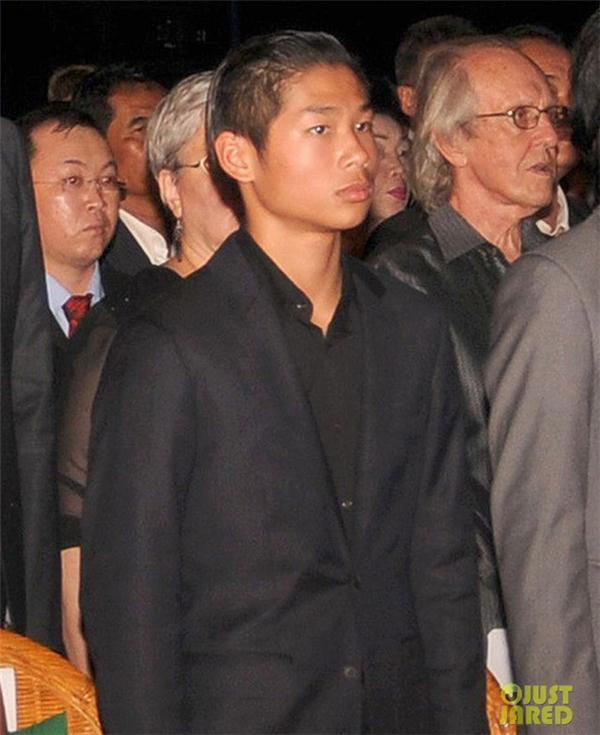 Cậu con nuôi gốc Việt nhà Anglelina Jolie đã ra dáng một thanh niên trưởng thành.