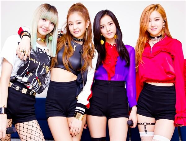 Cư dân mạng cho rằng fan của Lisa tại Thái Lan đã kéo nhau cùng dislike MV của Twice